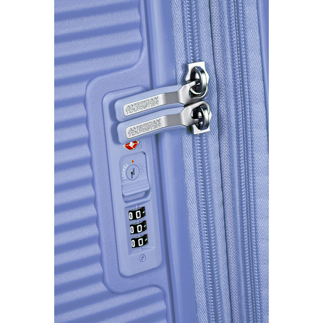 Kabinowa walizka American Tourister Soundbox - denim blue